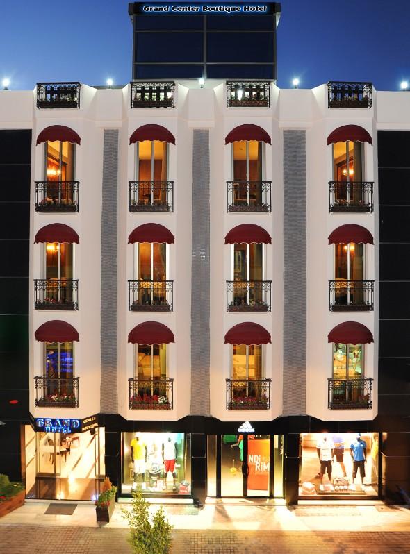 Grand center boutique hotel for Boutique center