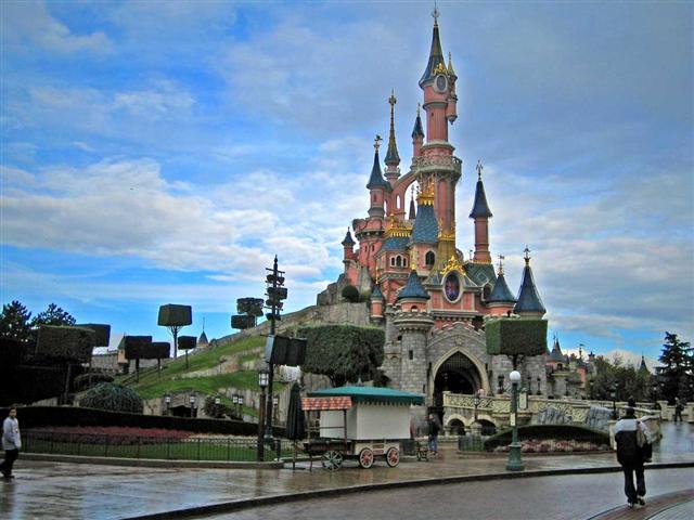 Paris Disneyland Turu ( 7 Gece 8 Gün )